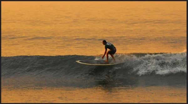 ricky-hanson-surfing